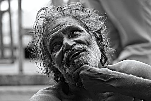 Foto d'estoc gratuïta de ancià al carrer, barris marginals, brut, brutícia