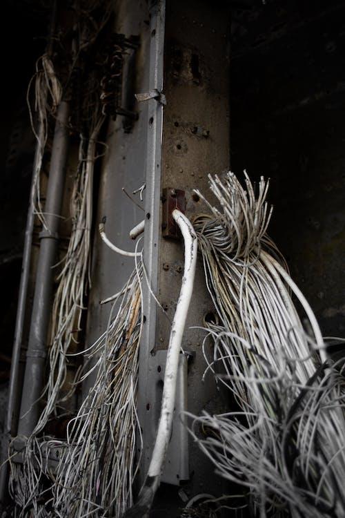 Foto d'estoc gratuïta de avió, cables, decadència, decaïment