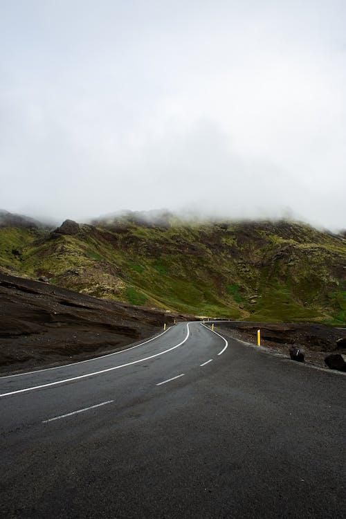 Darmowe zdjęcie z galerii z asfalt, autostrada, droga, góra