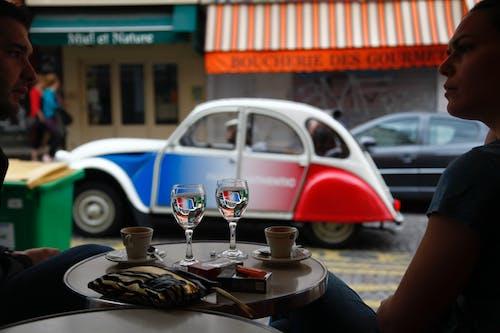 Fotobanka sbezplatnými fotkami na tému káva, kaviareň, mladá dvojica, neskoré raňajky