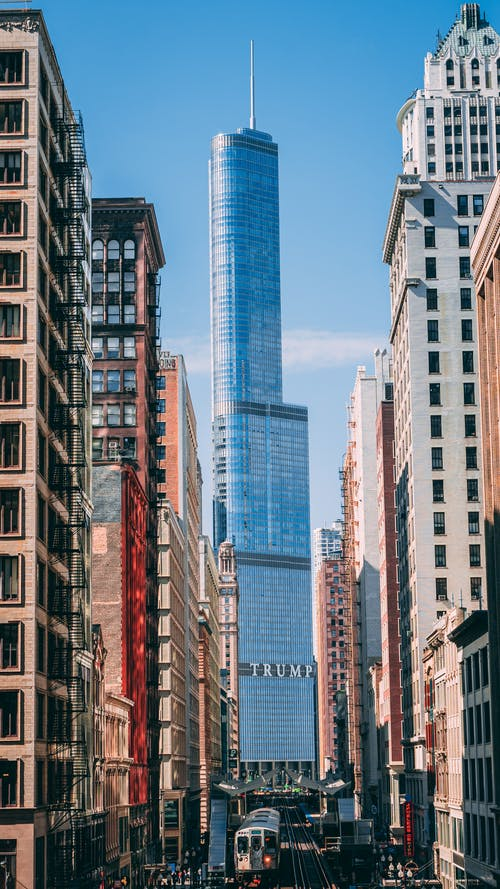 Kostnadsfri bild av arkitektonisk design, arkitektur, blå himmel, byggnader