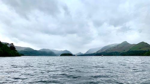 Ảnh lưu trữ miễn phí về buồn rầu, hồ, những đám mây, núi