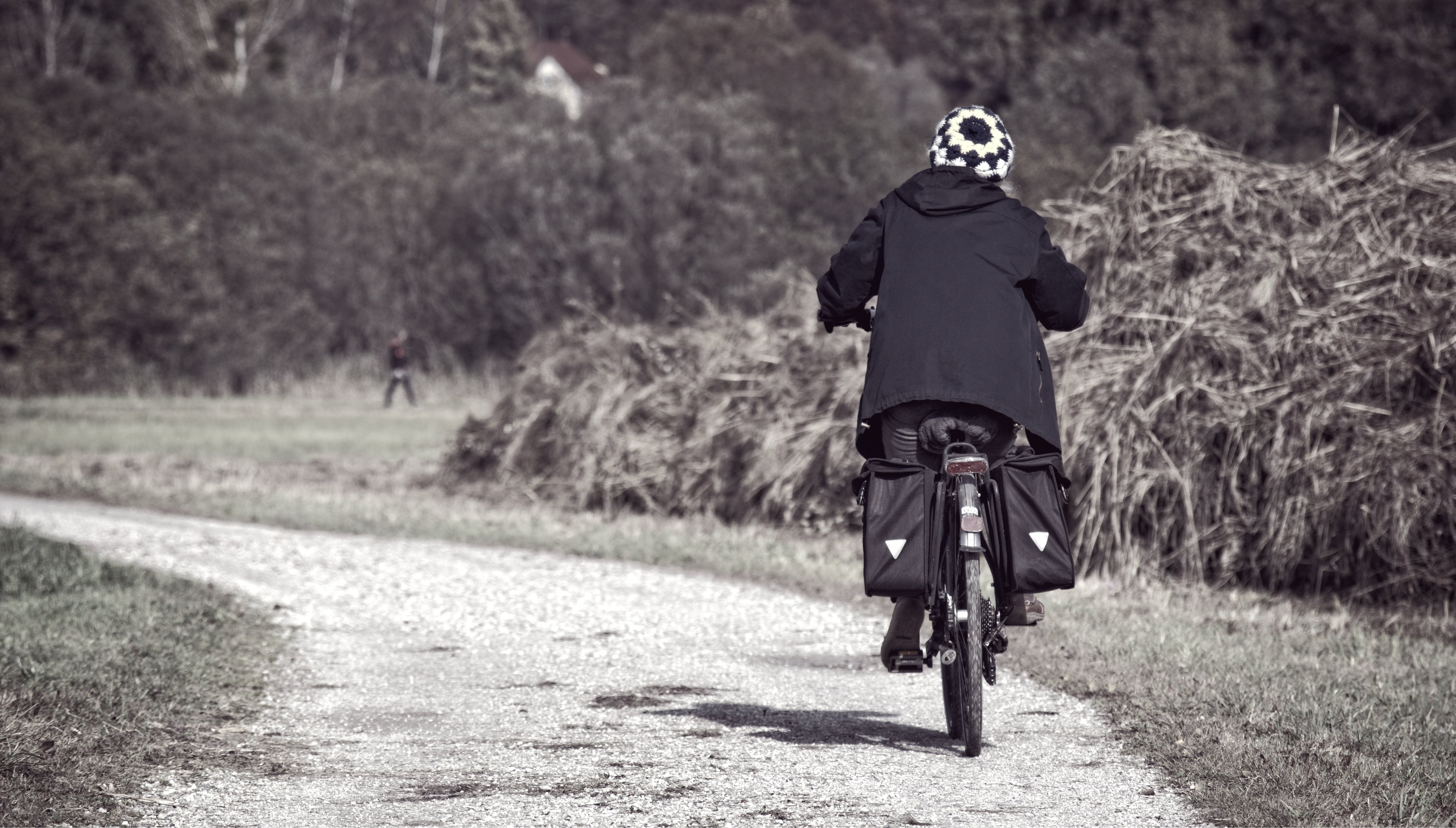 Základová fotografie zdarma na téma akce, biker, černobílý, cyklista