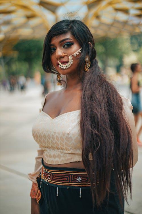 Foto d'estoc gratuïta de accessori, arracada al nas, arracades, bellesa