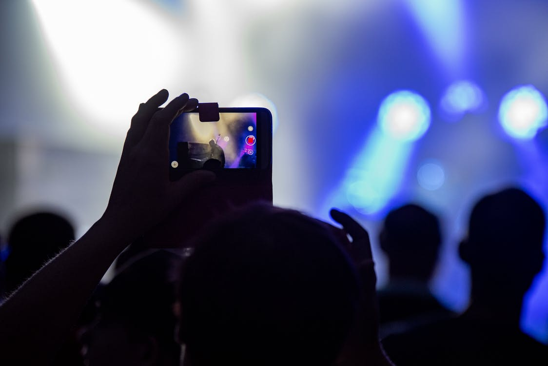 audience, celebrate, cell phone