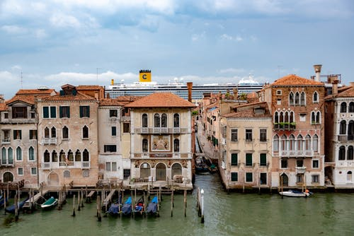 Free stock photo of canal, cruise ship, gondolas, grand canal