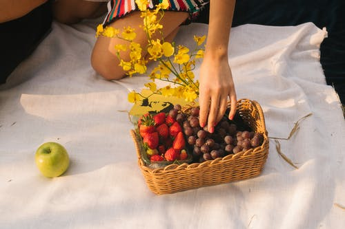 Rectangular Brown Wicker Basket With Fruits