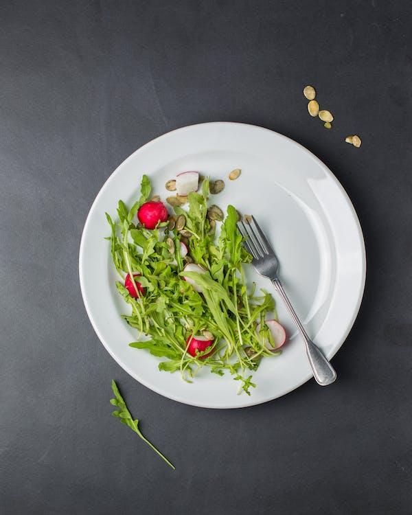 Tabakta Yeşil Salata