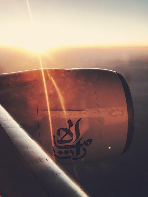 companhia aérea, emirados, empresa aérea