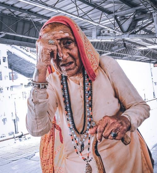 Gratis lagerfoto af ansigt, asiatisk, gammel kvinde, hindu