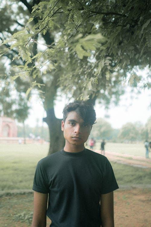Gratis arkivbilde med brun mann, depresjon, filmfotografering, fotografi
