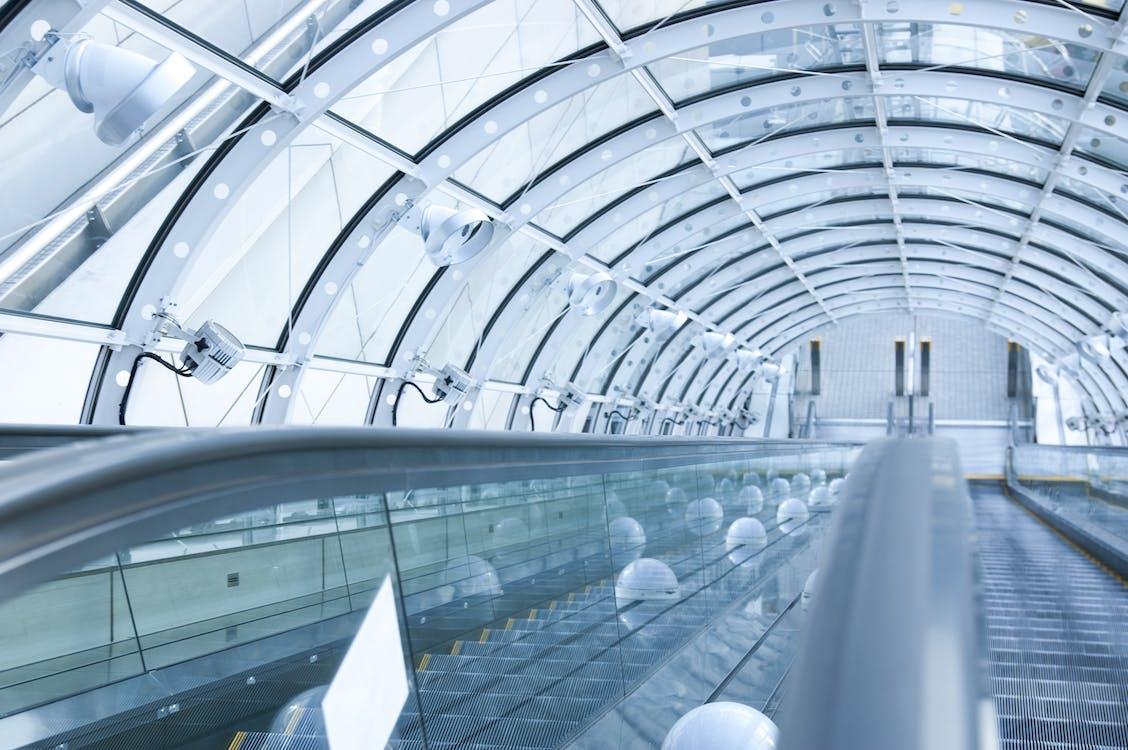 à l'intérieur, acier, architecture