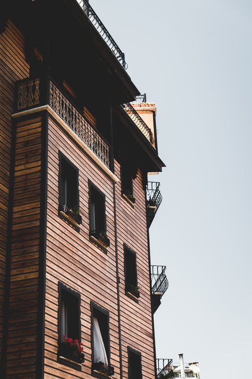 建物, 建物の外観, 建築, 木造住宅の無料の写真素材
