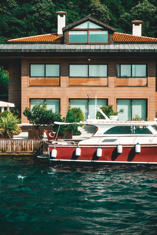 Gratis arkivbilde med båt, hus, sjø