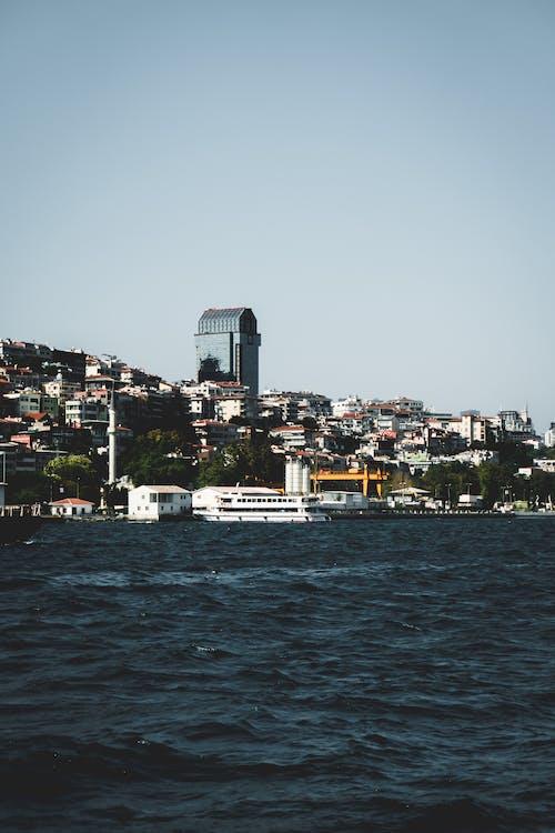 Безкоштовне стокове фото на тему «босфор, будівлі, вода, стамбул»