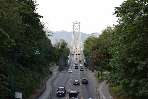 dağlar, köprü, ufuk çizgisi içeren Ücretsiz stok fotoğraf