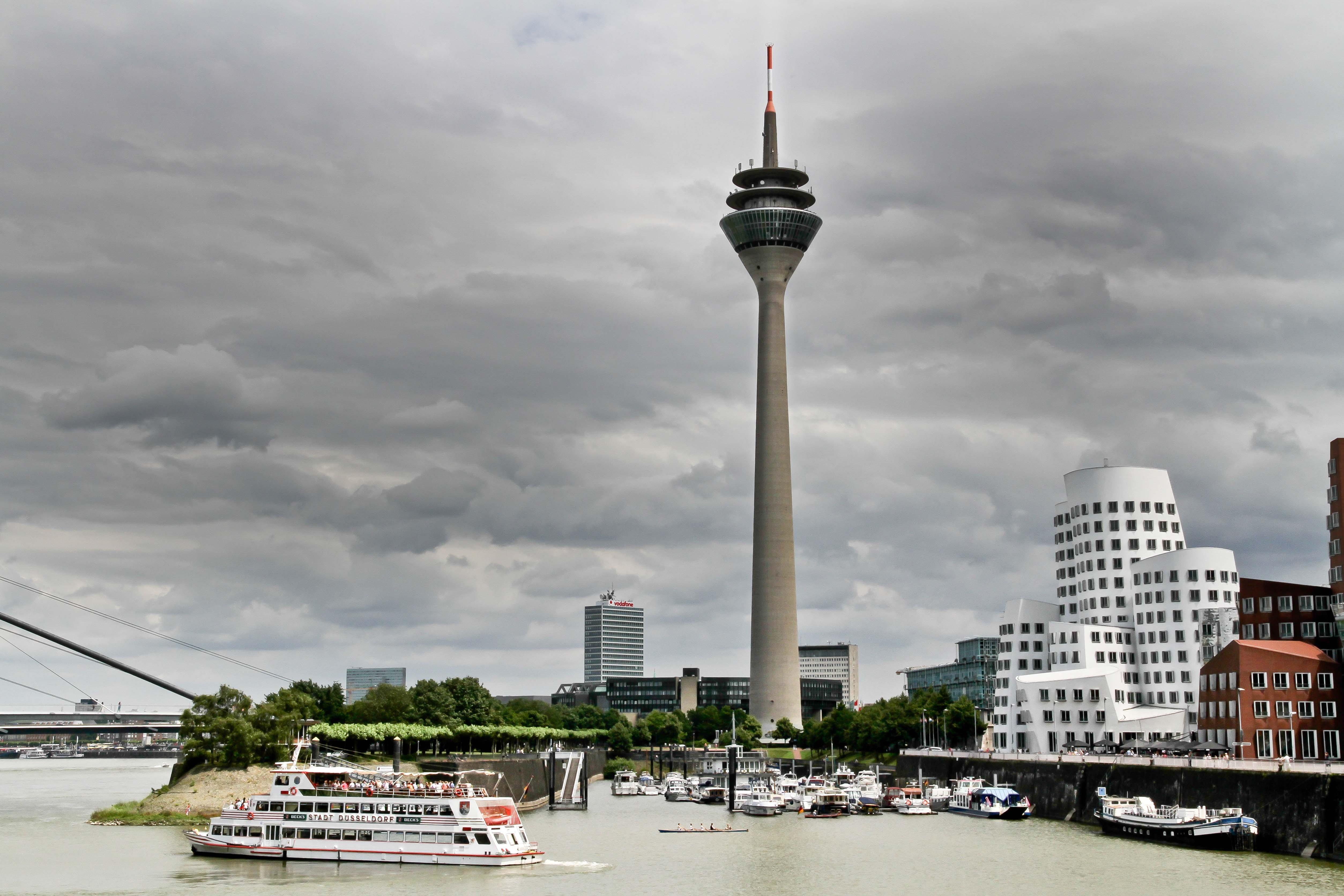 Free stock photo of city, landmark, water, clouds