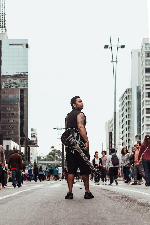 Ilmainen kuvapankkikuva tunnisteilla blackguitar, brasilia, hetki
