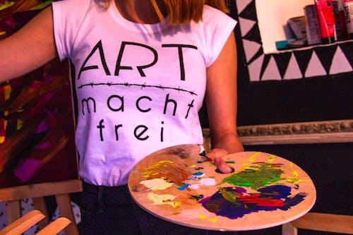 Kostnadsfri bild av kvinna, måla, målning, person
