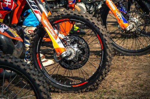 交通系統, 塵土, 摩托車, 摩托車越野賽 的 免费素材照片