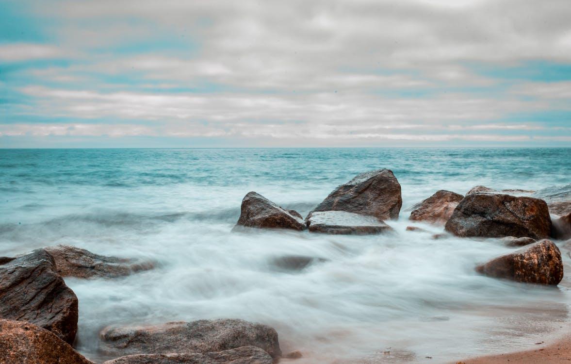 deszczowy dzień, nad morzem, plaża