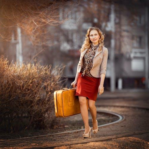 Kostenloses Stock Foto zu ausflug), draußen, fashion, fokus