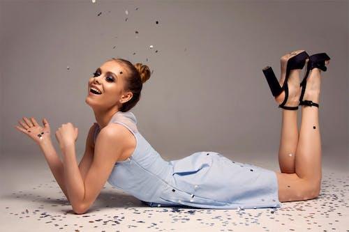 Kostenloses Stock Foto zu brünette, fashion, fotoshooting, fototermin