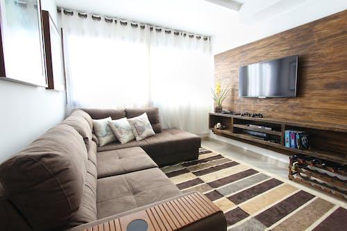 Fotos de stock gratuitas de adentro, alfombra, almohada, apartamento