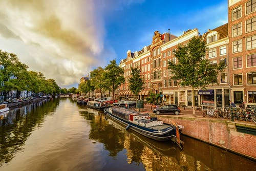 Бесплатное стоковое фото с архитектура, вода, водный транспорт, город