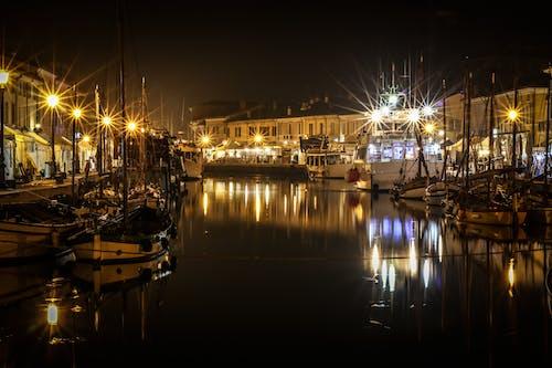 Kostnadsfri bild av båt, båtar, bro, brygga