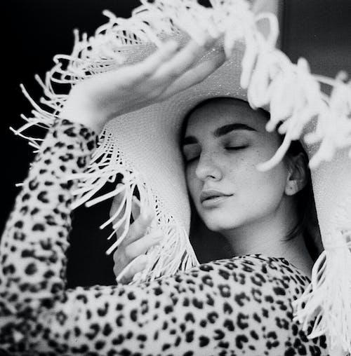 Základová fotografie zdarma na téma 120 mm, analogový, atraktivní, černobílý