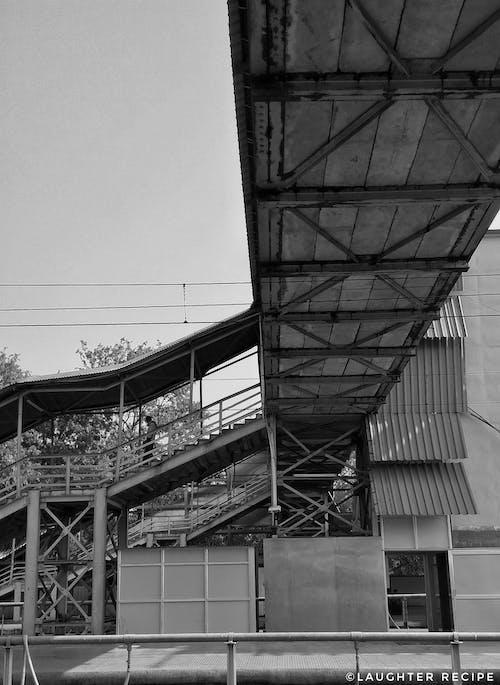 Foto profissional grátis de estação de trem, estação ferroviária, estrada de ferro, ferrovias