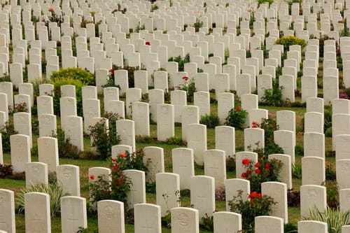 Kostnadsfri bild av gravstenar, kyrkogård, militär