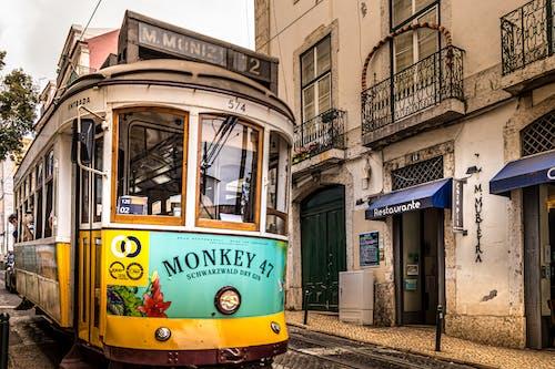 Foto stok gratis kendaraan umum, kereta listrik, kota, Lisbon