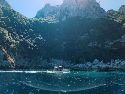 Бесплатное стоковое фото с амальфитанское, вода, голубая вода, деревья