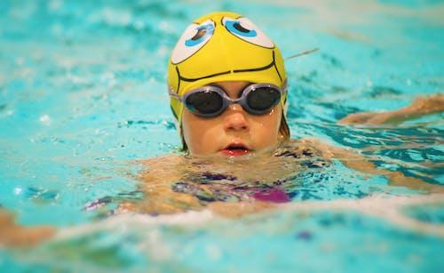 Ảnh lưu trữ miễn phí về bơi, bơi an toàn, con gái, đồng phục