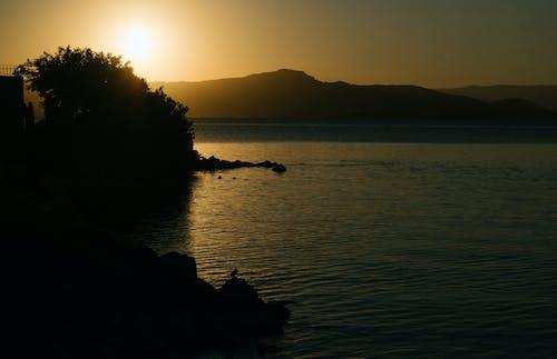 Darmowe zdjęcie z galerii z morze, niebo, słońce, zmierzch