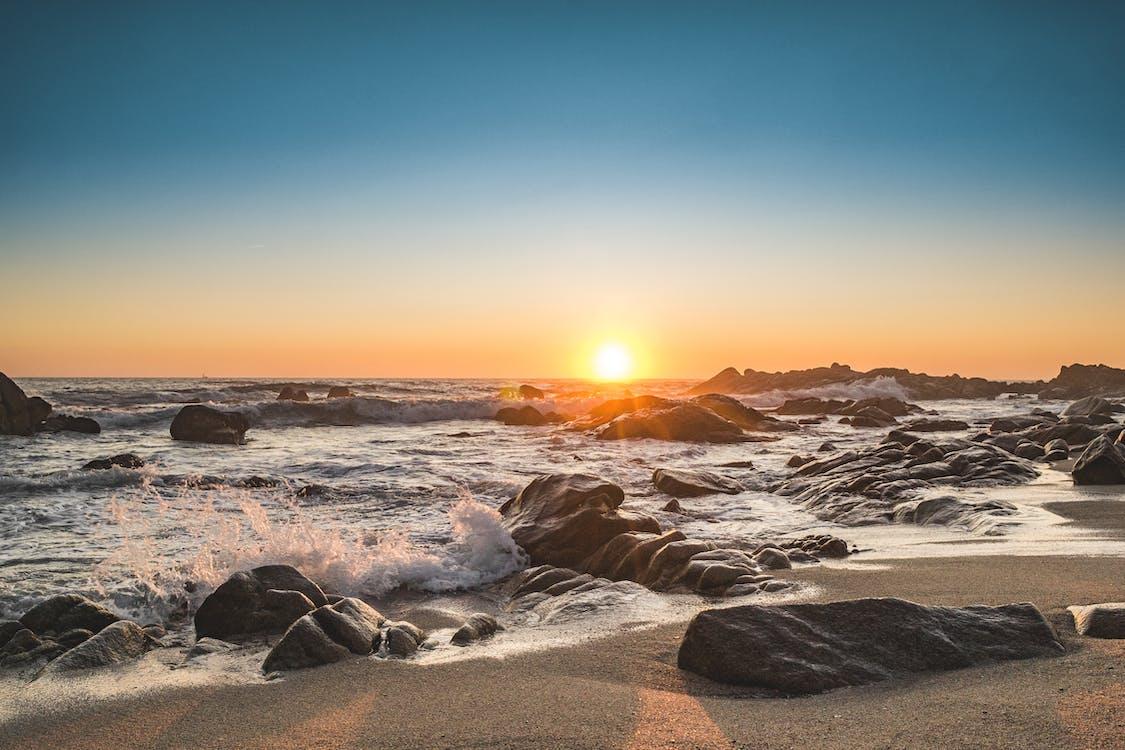 nad morzem, piękny zachód słońca, plaża
