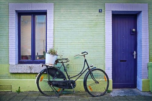 Бесплатное стоковое фото с велосипед, европа, красочный, переработаны