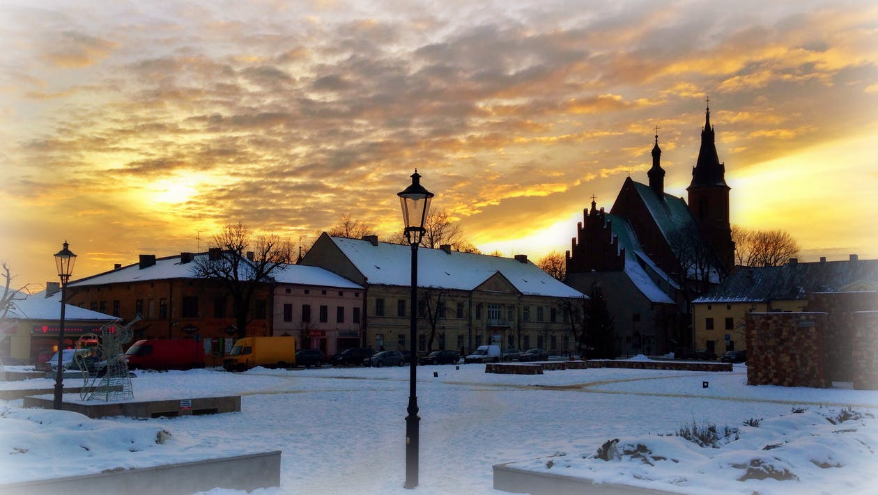 Beautiful sunset, city, market