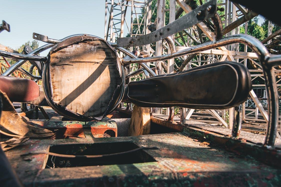 座位, 廢棄的建築, 手推車