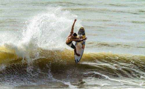 Kostnadsfri bild av jordyta, surfa, surfare, surfingbräda