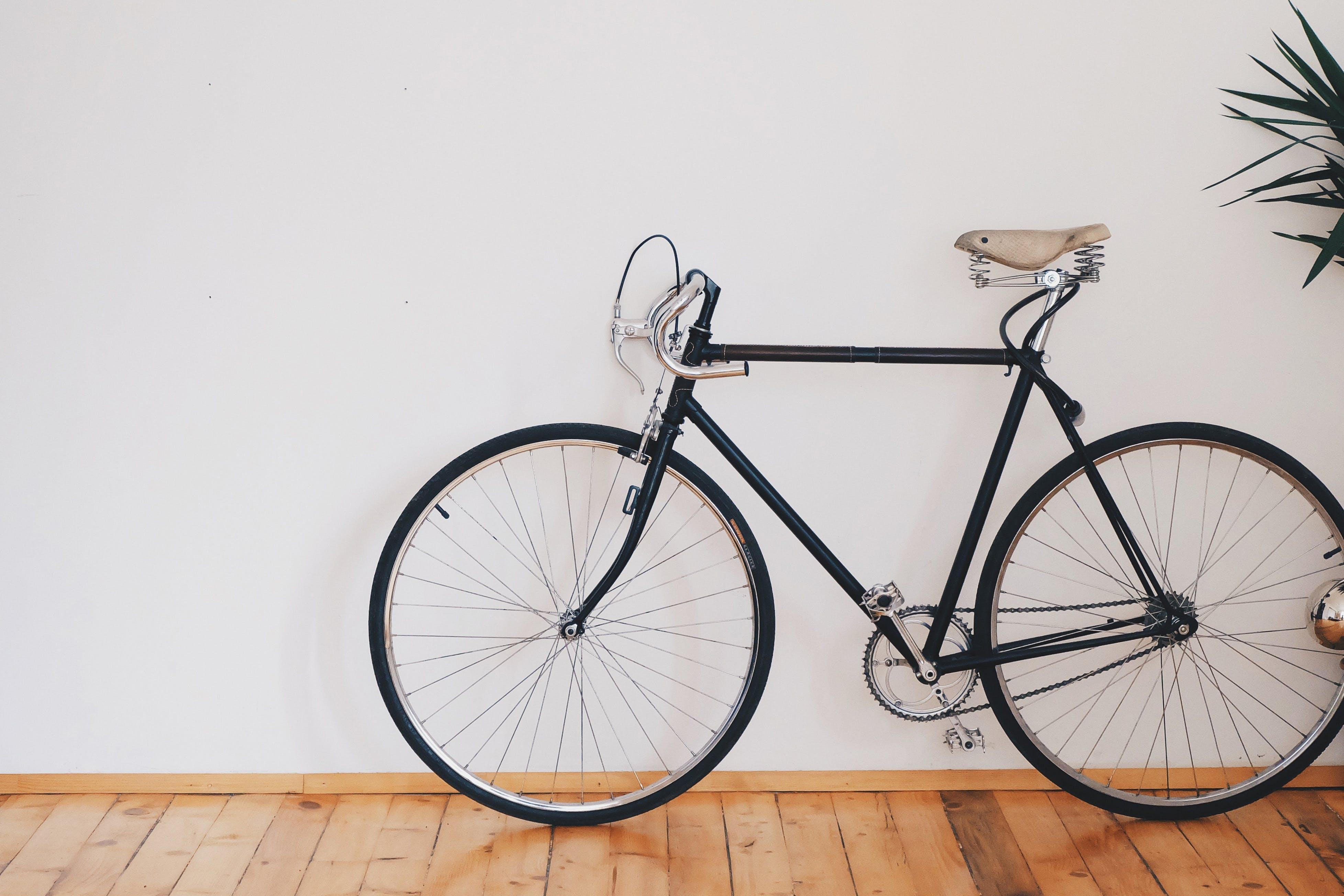 Ingyenes stockfotó aktivitás, benti, bicikli, biciklis témában