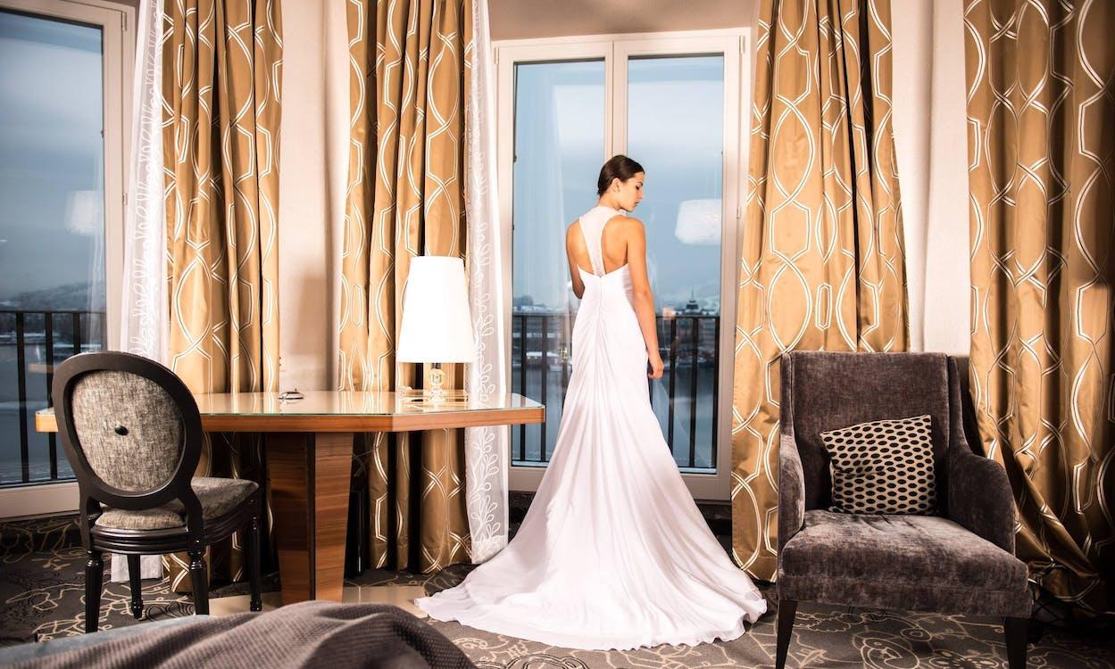 брак, в помещении, гостиница
