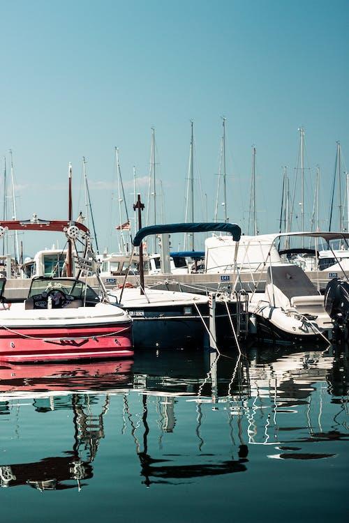 Kostenloses Stock Foto zu boote, dock, dockt, fischerboote