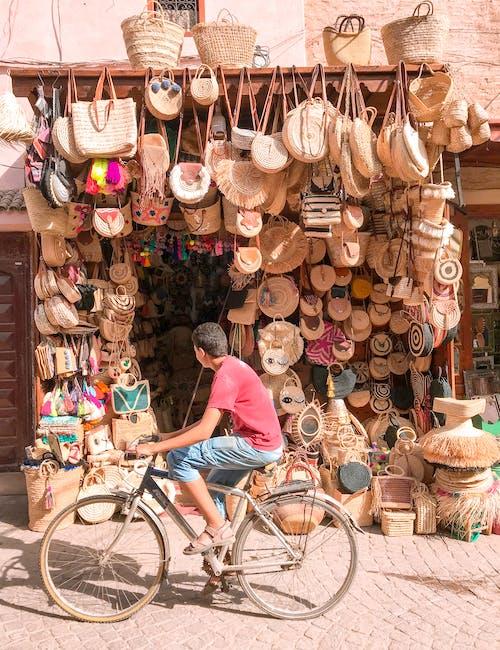 Ingyenes stockfotó ajándéktárgy, árukészlet, bicikli, bódé témában