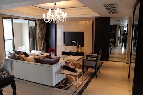 Základová fotografie zdarma na téma apartmán, design interiéru, koberec, lampa