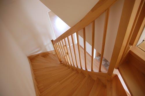 Foto d'estoc gratuïta de apartament, arquitectura, clareja, de fusta