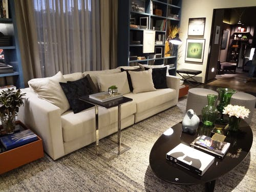 Základová fotografie zdarma na téma design interiéru, koberec, lampa, místnost