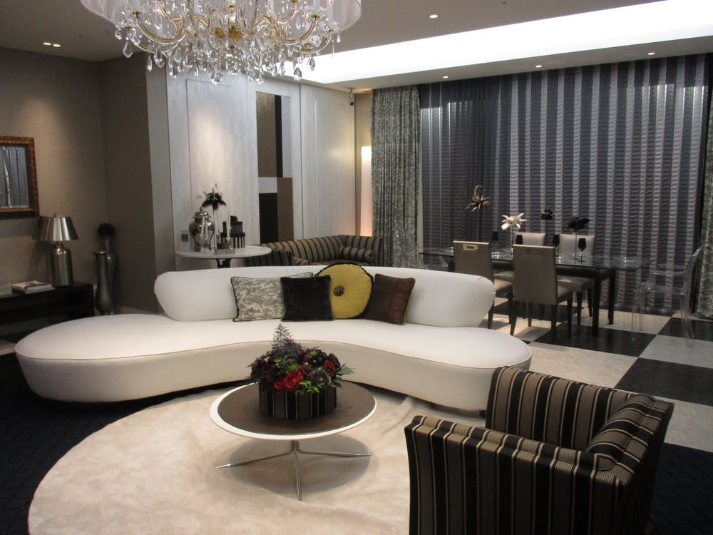 chandelier, dining, dining table